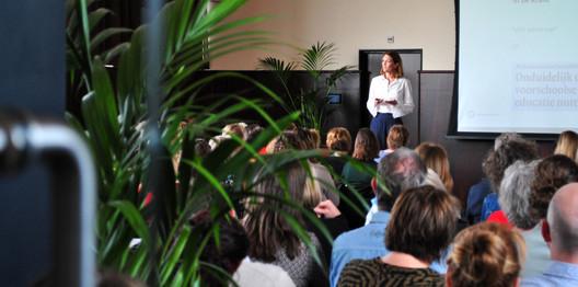 Lotte Henrichs over educatieve kwaliteit in voorschoolse contexten. o.a. met resultaten van CLASS-observaties op 3 Top VVE locaties in Dordrecht.