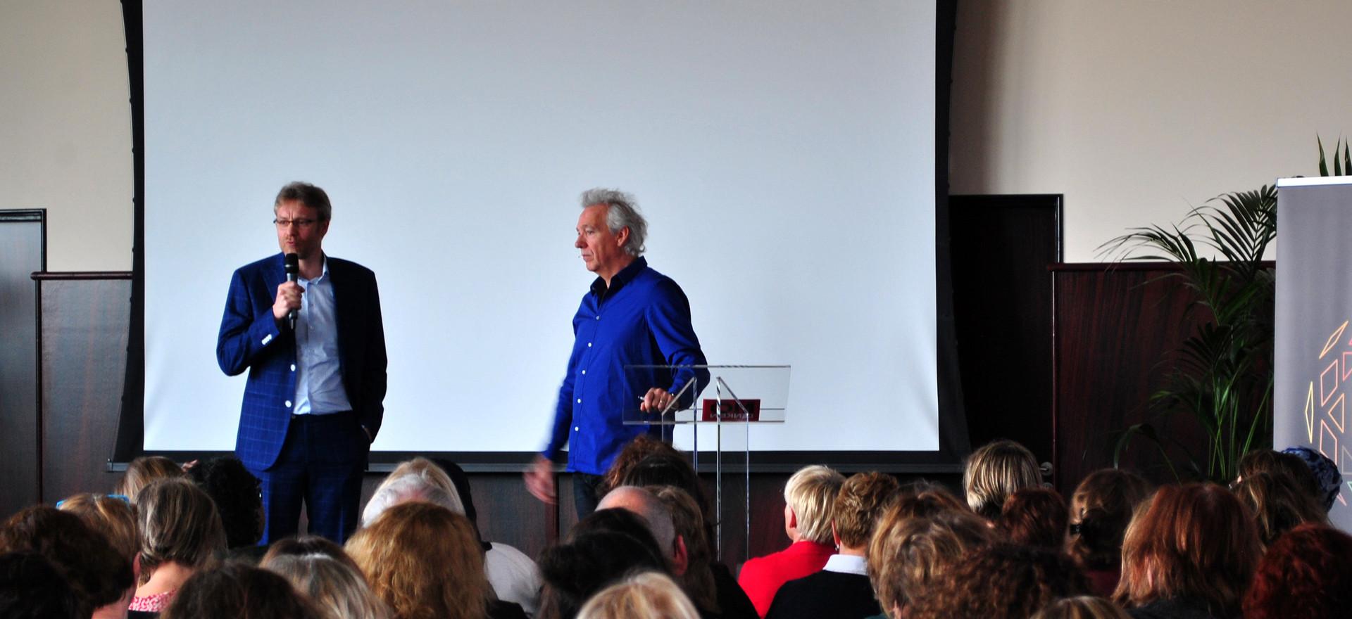 Jeroen Nusteling van SDK Kinderopvang wordt geïnterviewd door Berthold Gunster (Omdenken).
