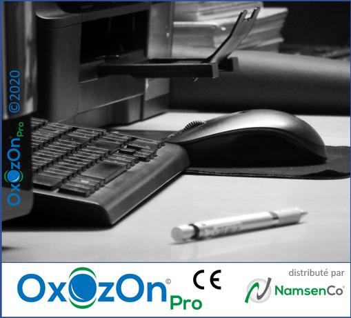 OxOzOn Desk2.png