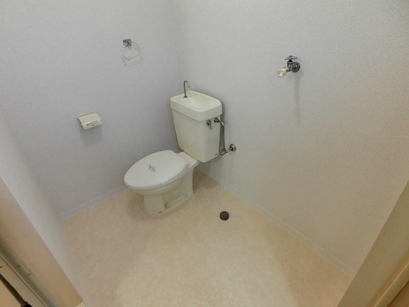 トイレ・洗濯機置場