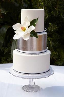 9- Silver and Magnolia Cake