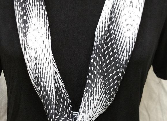 Black & White Chevron Necklace Scarf
