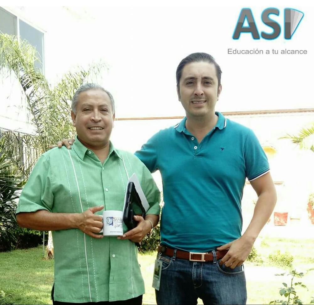 Con el Pbro. Roberto Gamez proyectando el crecimiento del programa en la parte norte de la ciudad de Queretaro, seguimos trabajando para que la educación este al alcance de todos!.