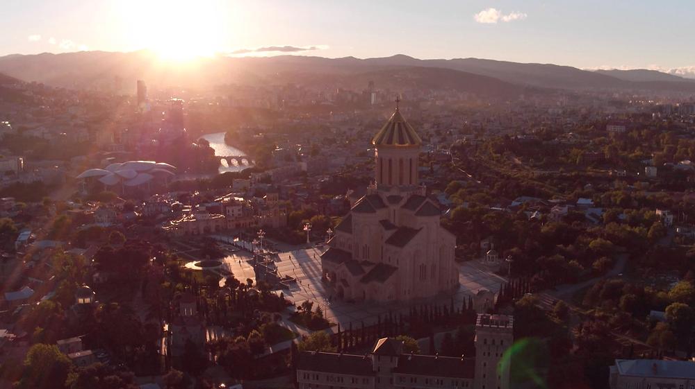 Still van Tbilisi uit Wie is de Mol? 2018
