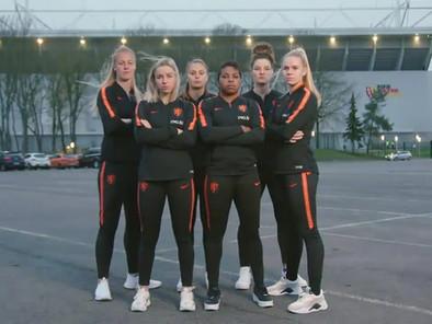 Ook Oranje Leeuwinnen spelen Wie is de Mol?