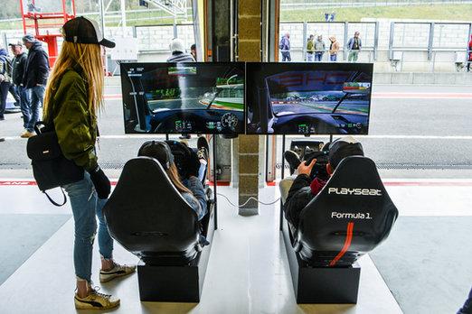 Simulateur de course | Spa Francorchamps I Porsche Club Days