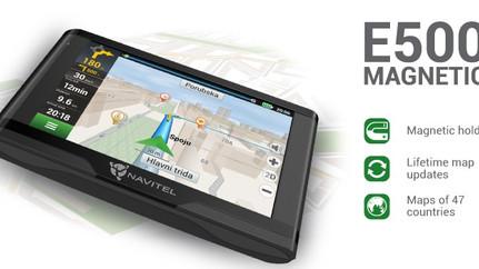 NAVITEL E500 MAGNETIC navigator with magnetic holder
