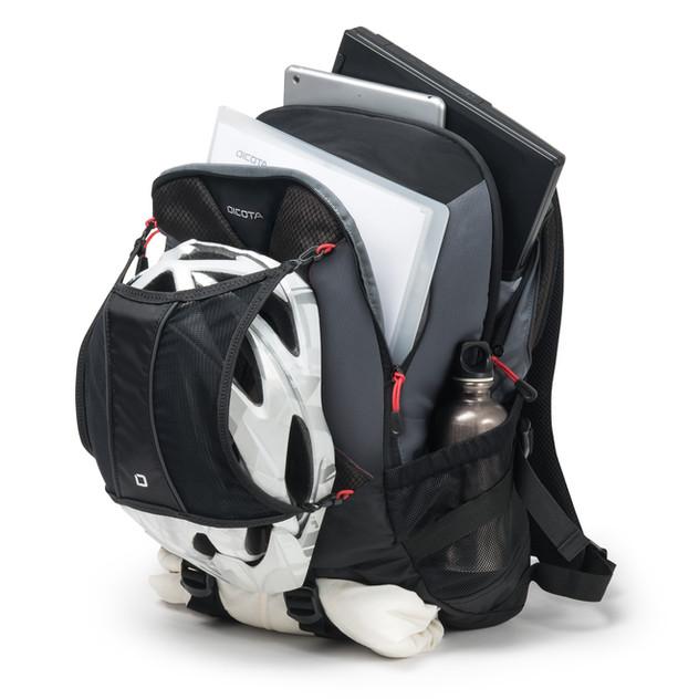 D31046_BackpackRide