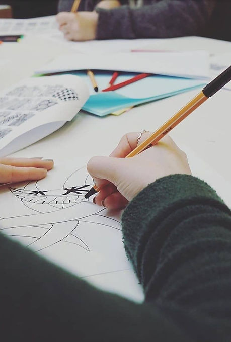 One participant creating a Zentangle