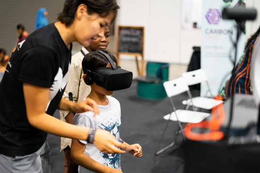 young-boy-using-virtual-reality-gear-wit
