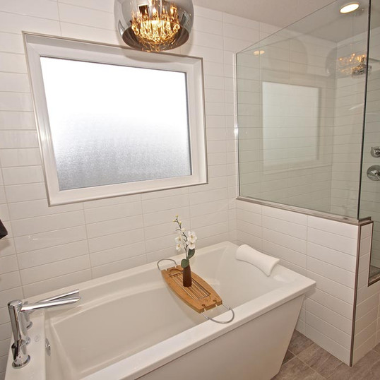 full-ensuite-bath-with-tiled-shower.jpg
