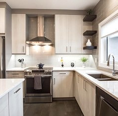 modern-kitchen-with-granite-countertops_