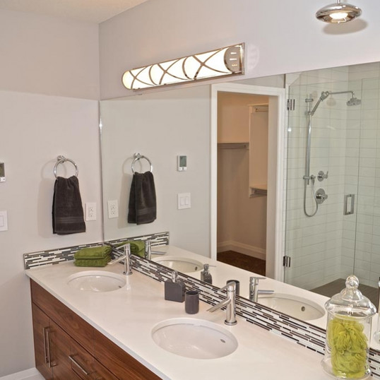 executive-master-ensuite-bathroom.jpg