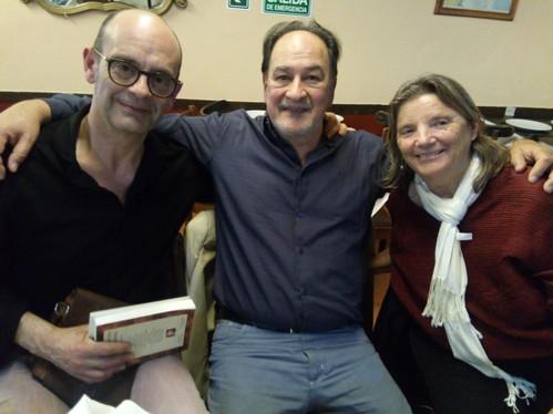 Junto a los escritores catalanes Nora Albert y Sebastiá Alzamora, en San Telmo.