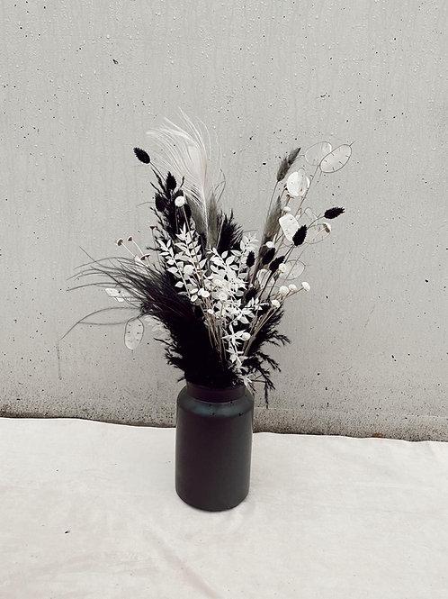 "Vase ""Black"""
