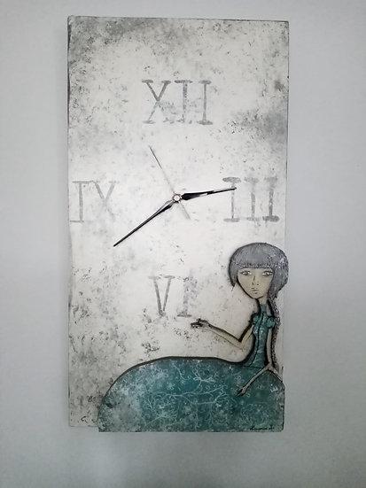 Horloge en bois peinte à la main