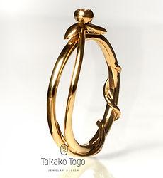 Kvadr (Næsten)Leaf ring in gold, 0.05 ct