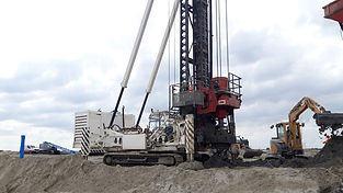 used piling rigs page.jpg