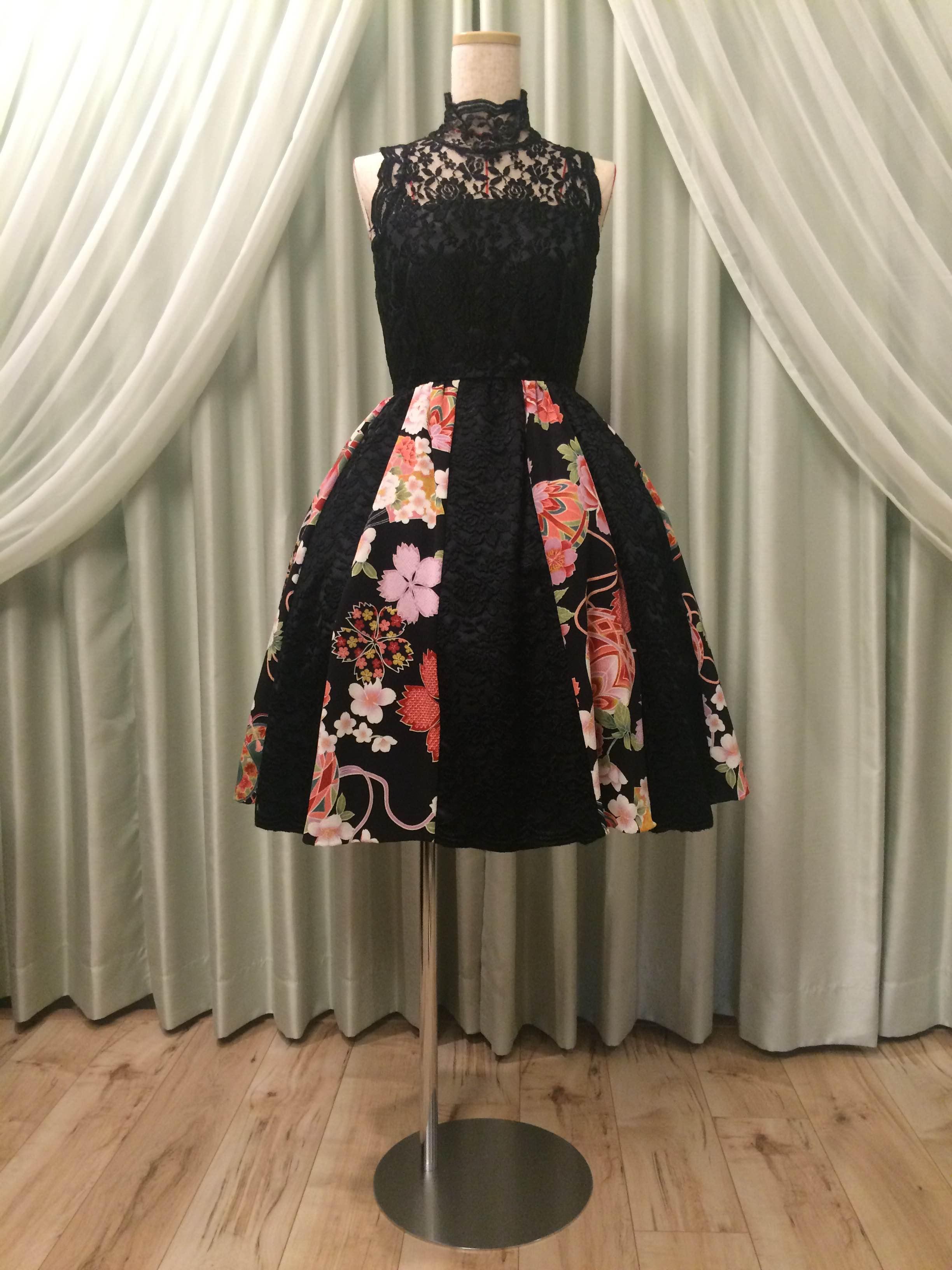 着物の生地と組み合わせたドレス