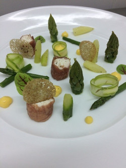 asperges, bresaola et hollandaise