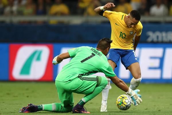 Resultado de imagem para sergio romero brazil
