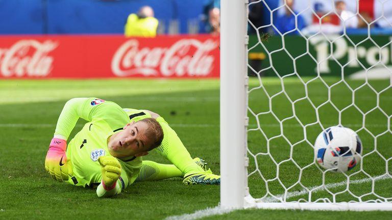 Joe Hart foi criticado por suas exibições Inglaterra no Euro 2016