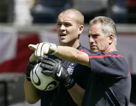 Resultado de imagem para goalkeeper coach