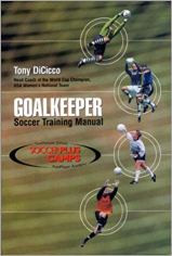 Capa do livro goalkeeper soccer training manual