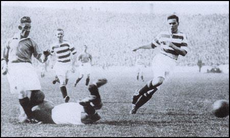 Resultado de imagem para John Thomson goalkeeper