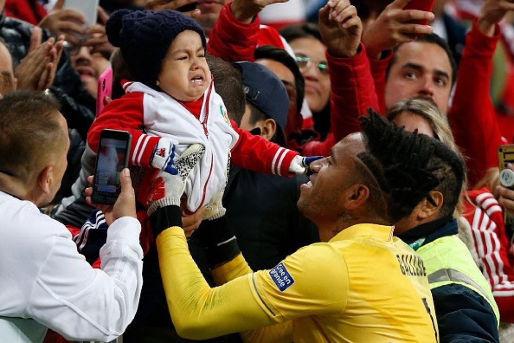 Tente não chorar: Pedro Gallese e a celebração emocional com seu filho depois de se classificar para a final da Copa América