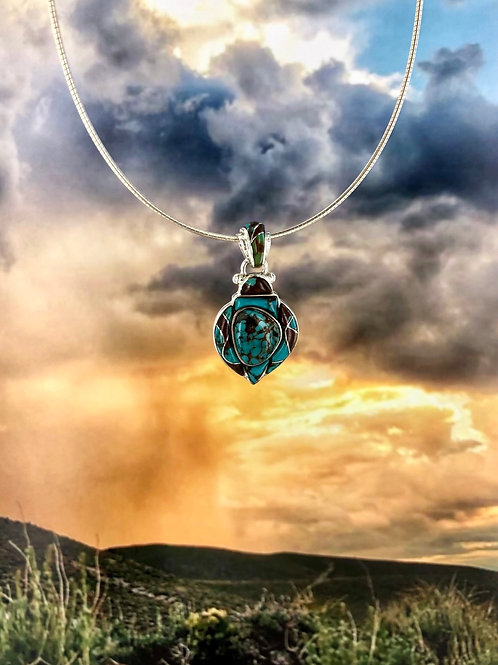 The Queen turquoise pendant