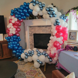 7ft Hoop with Full Balloons
