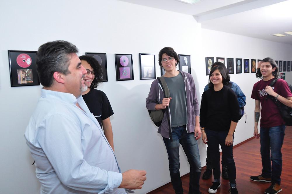 Salvador Tercero en Sala de Audio