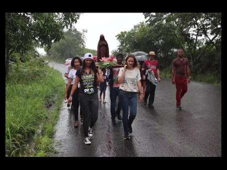 Vídeo da peregrinação em honra a Nossa Senhora da Compaixão e Missa de envio de Caroline dos Santos