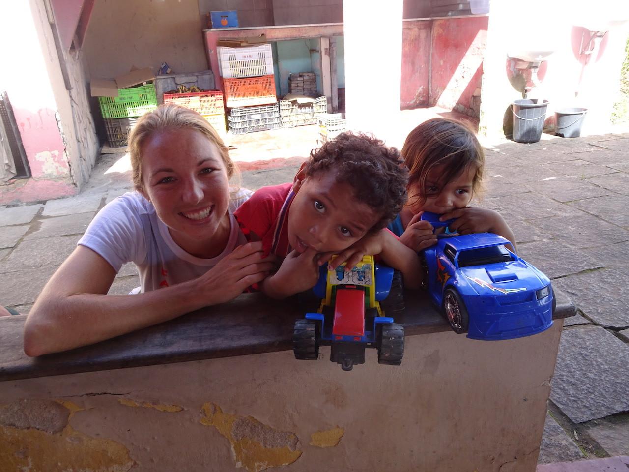 Kelsey, voluntária dos Estados Unidos