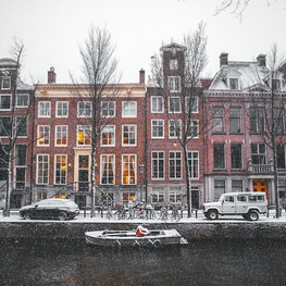 Amsterdam canal house under the snow.jpg