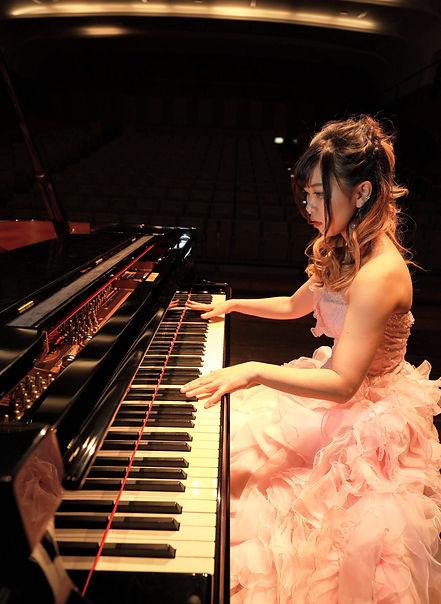 ピアニスト 屋敷華