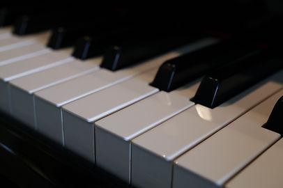 屋敷華ピアノ