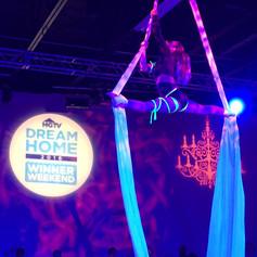 Cirque Performers