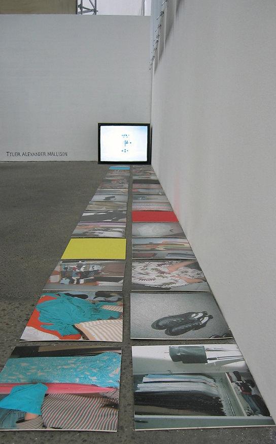 Tyler Mallison, Project Wardrobe, Raw Data, 2006, Gleisdreieck (Station), Berlin