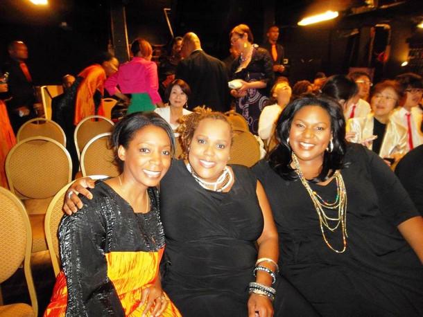 Mirna avec 2 des membres du groupe RIZEN   (GMWA 2012)