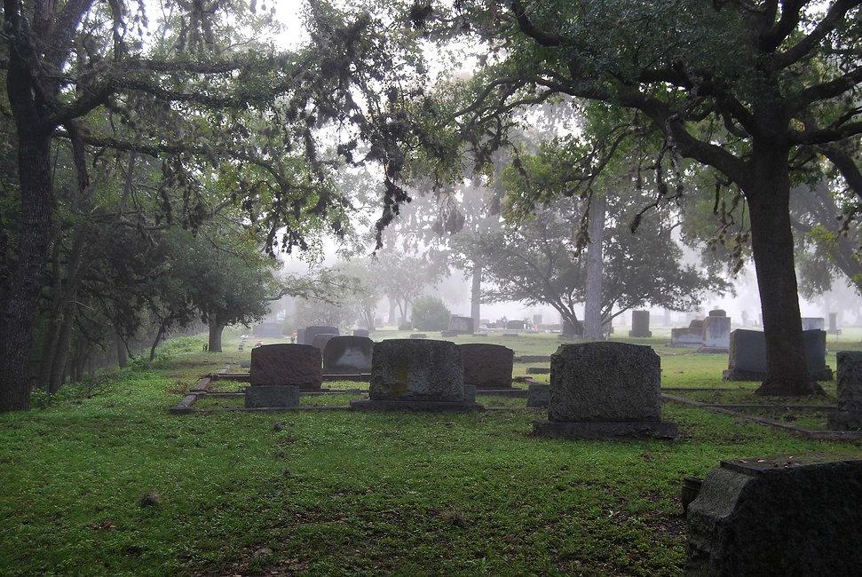 cemetery-in-fog-2-DSC_0004.jpg