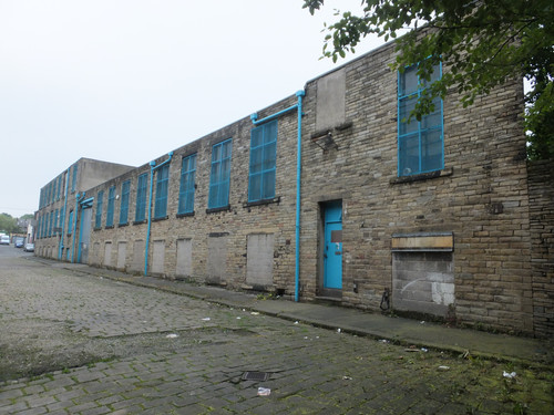 Raglan Mill - Laisterdyke(2).JPG
