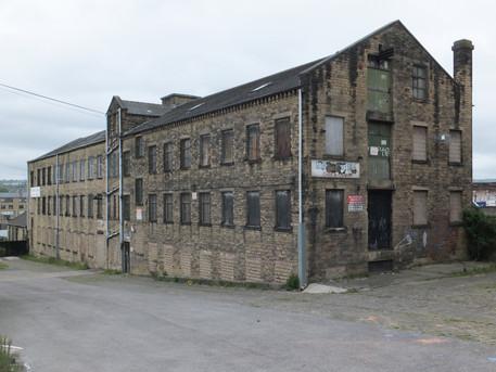 Globe Mill - Bradford.JPG