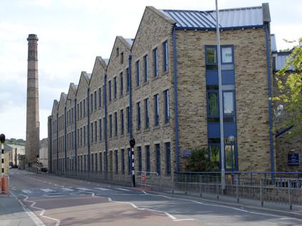 Larchfield Mills - Huddersfield(14).JPG