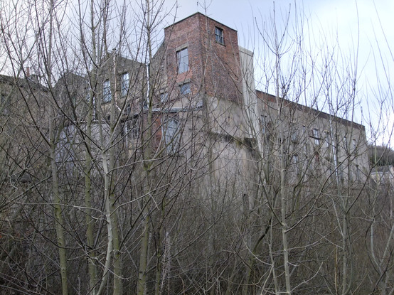 Britannia Mill - Mossley.JPG