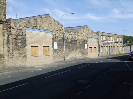 Kings Mill - Dewsbury.JPG