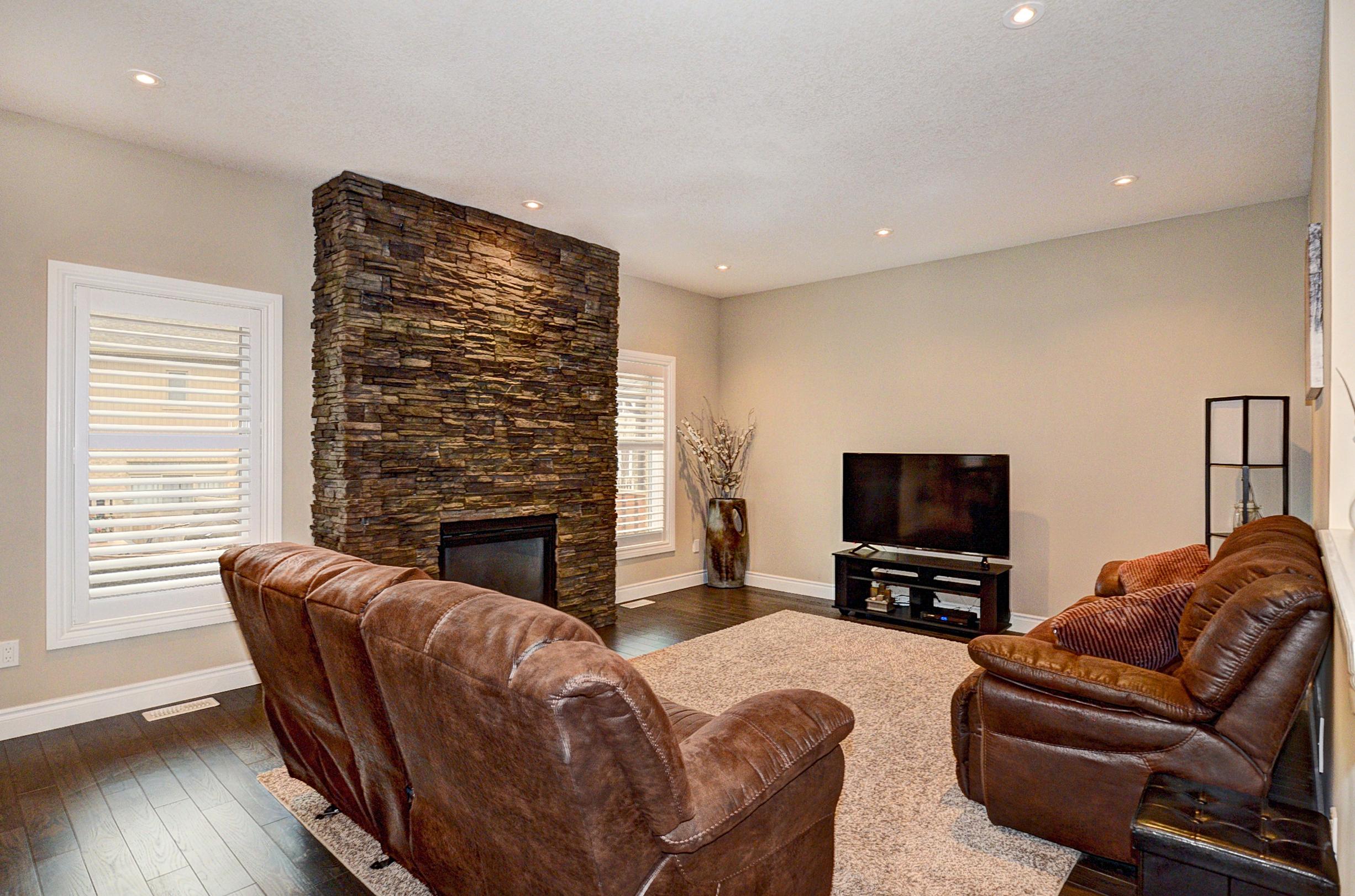 20 Living Room