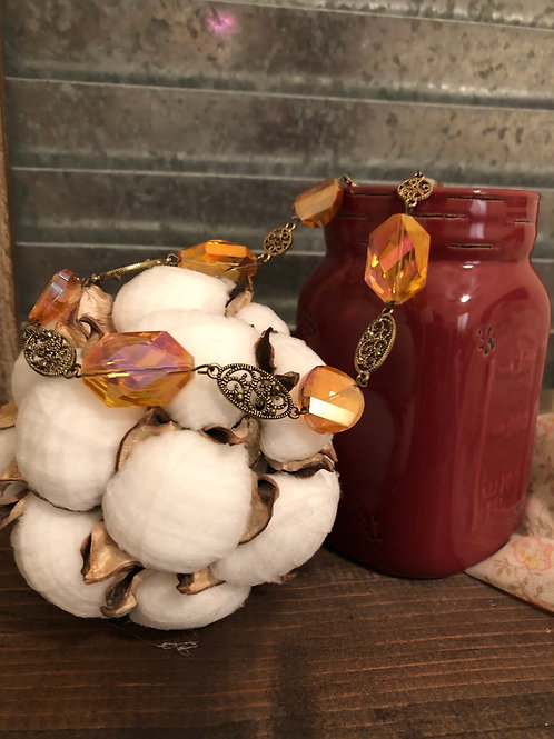 Amber Mode Necklace