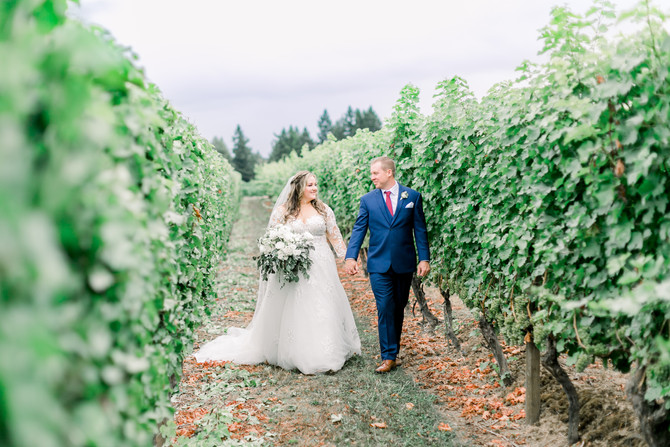 Scott + Amanda | Aurora Colony Vineyard Wedding